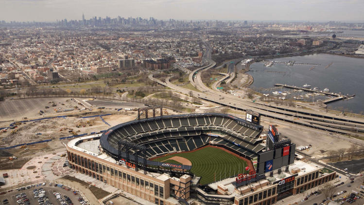 NYC officials, foes testify on Willets Point plans