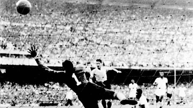 "File photo taken 16 July 1950 at the Maracan stadium in Rio de Janeiro, when Uruguayan Juan ""Pepe"" Schiaffino (C) scores the first goal against Brazil, during the 1950 World Cup."
