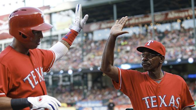 Rangers homer twice in 9th to beat Angels 4-3