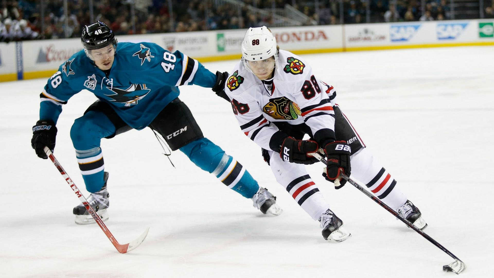 Blackhawks end Sharks streak, Canadiens crush Rangers