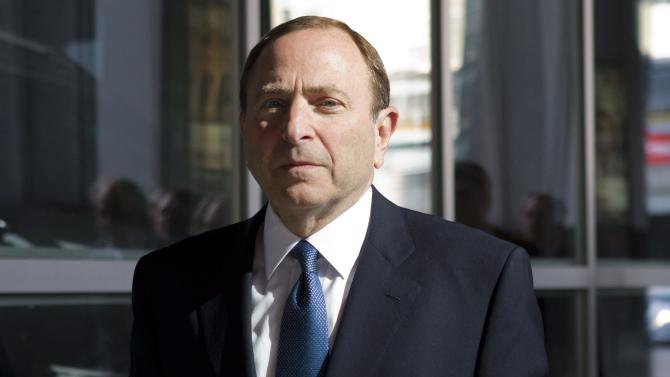 NHL Commissioner Gary Bettman arrives for negotiations with the NHL Players'Association in Toronto Thursday, Oct. 18, 2012. The NHL Players' Association confirmed it will make a new offer during negotiations on Thursday. On Tuesday, the NHL proposed a 50-50 hockey-related revenue split and an 82-game regular season.  (AP Photo/The Canadian Press, Chris Young)
