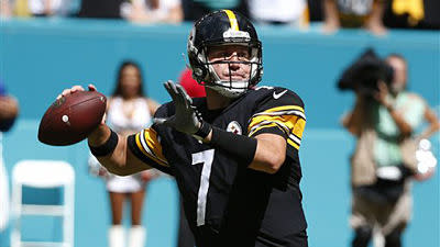 Ben Roethlisberger threw some passes at practice on Tuesday