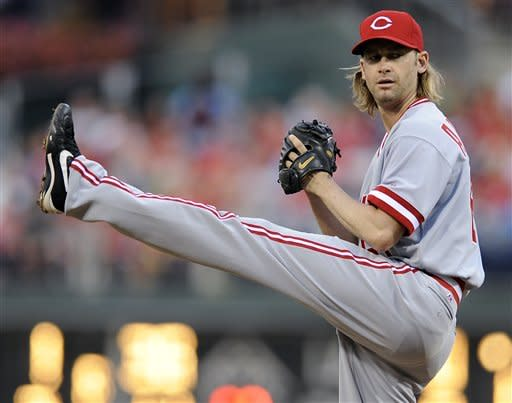 Arroyo's strong start leads Reds over Phils