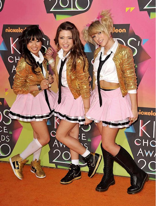 School Gyrls Kids Choice Awards