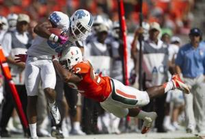 North Carolina holds on to beat Miami 18-14