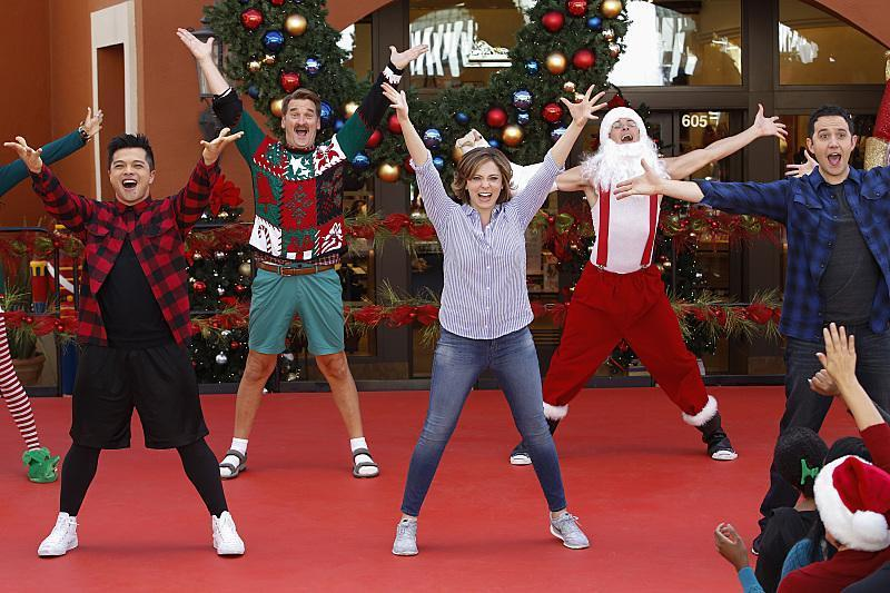'Crazy Ex-Girlfriend' Sneak Peek: Vincent Rodriguez III Gets Us Ready for a 'California Christmastime'