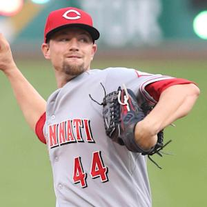 Mike Leake traded to the Giants