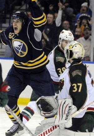 Foligno lifts Sabres to 3-1 win over Wild