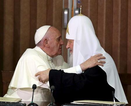 After 1,000-year split, pope and Russian patriarch embrace in Cuba