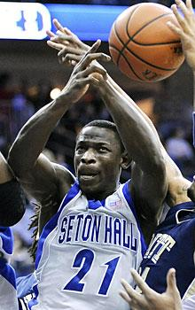 Hazell takes last shot at Seton Hall