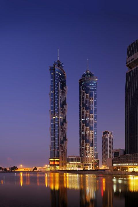 أطول فندق بالعالم بدبي (حملة
