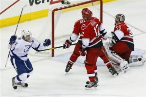 Stamkos scores 2, including OT winner for TB