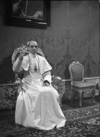Catholics and Jews pan film defending wartime Pope Pius XII