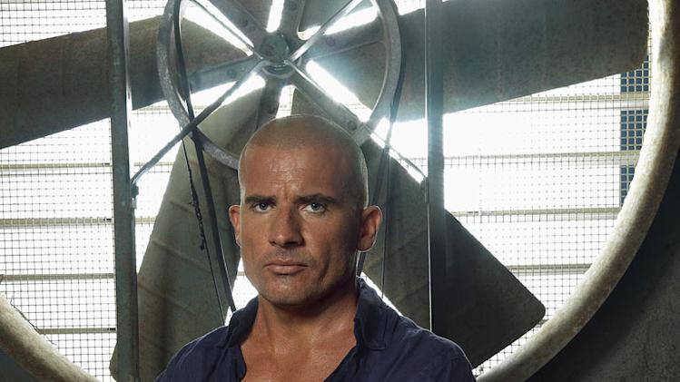 Dominic Purcell returns as Lincoln Burrows on the third season of Prison Break.