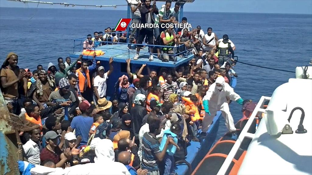 More than 350,000 migrants cross Mediterranean this year: IOM