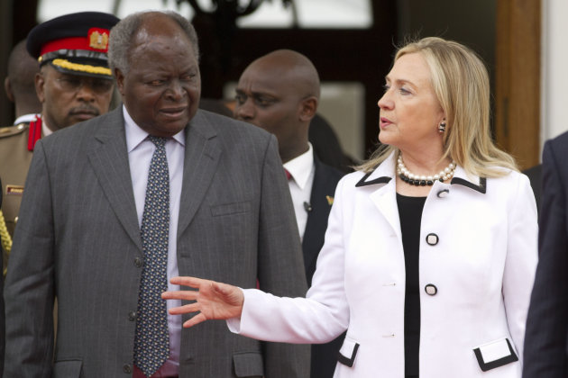 U.S. Secretary of State Hillary Rodham Clinton, right, meets with Kenya's President Mwai Kibaki at the State House, in Nairobi, Kenya, on Saturday, Aug. 4, 2012. (AP Photo/Jacquelyn Martin, Pool)