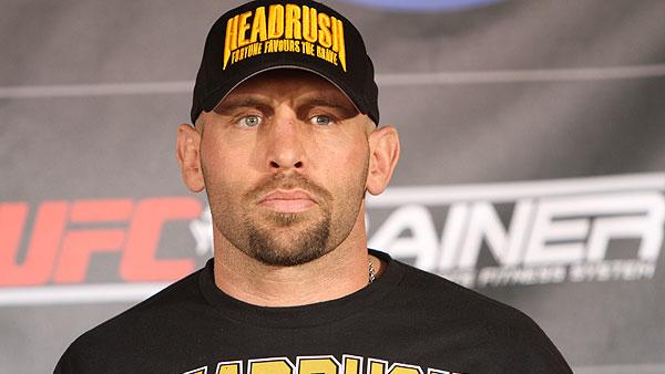 Shane Carwin Off TUF 16 Finale with Knee Injury