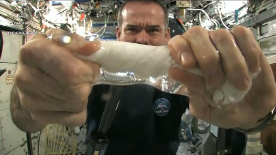 How to Use a Washcloth In Space (Video)