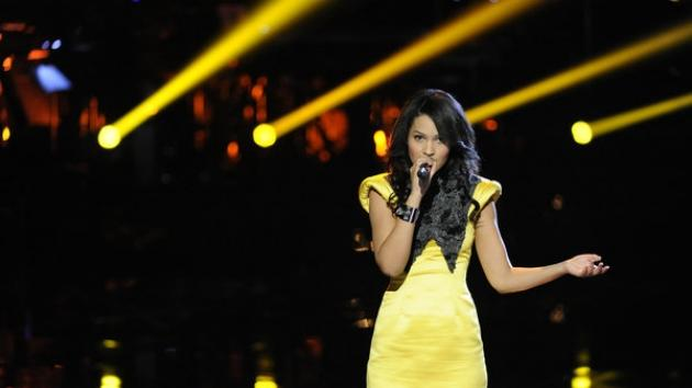 Erin Martin performs on 'The Voice' on April 10, 2012 -- NBC