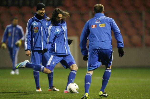 Greek national soccer team player Giorgos Samaras takes part in a training session in Hrasnica