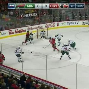 Devan Dubnyk Save on Sean Monahan (06:33/1st)