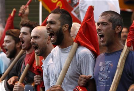 Protesters from the communist-affiliated trade union &&<span class=