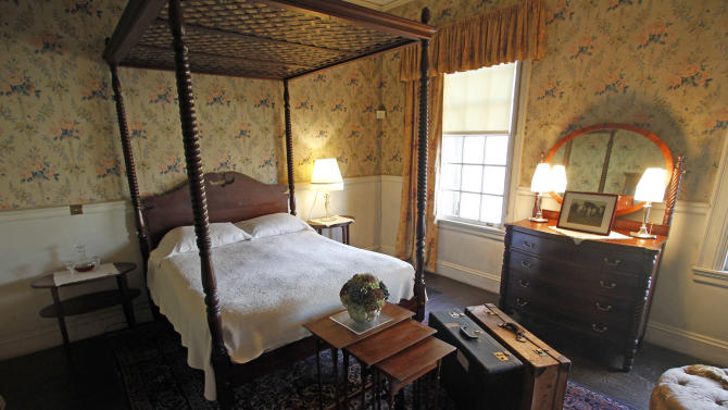 This Monday, Nov. 19, 2012 photo shows the Taft bedroom at the Robert Todd Lincoln mansion Hildene in Manchester, Vt.  The Georgian Revival home was built in 1905 by Robert Todd Lincoln, the only one of the president's four children to survive to adulthood. (AP Photo/Toby Talbot)