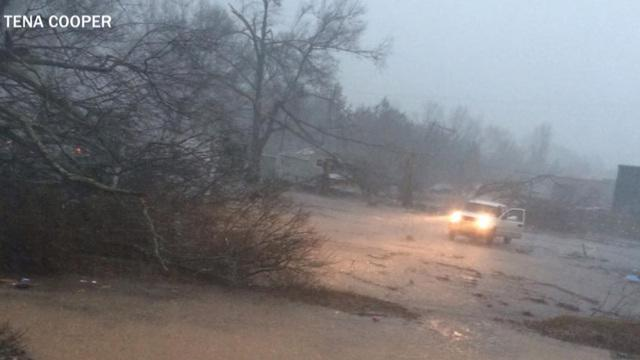 Power returns to Mississippi town after twister