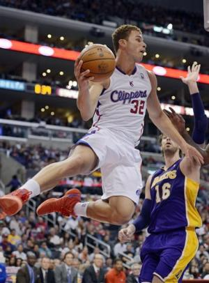 Clippers beat winless Lakers 97-91 in preseason