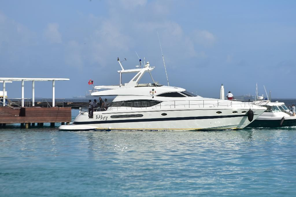 Maldives arrests two over blast on president's boat