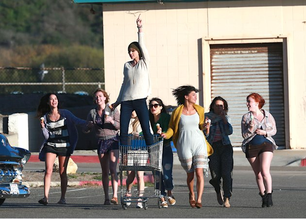 Taylor Swift Films New Music Video On Zuma Beach