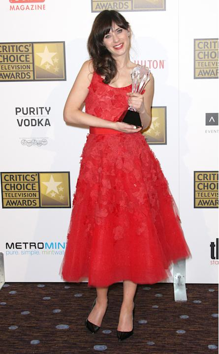 Gaun Cantik di Acara Critics' Choice TV Awards