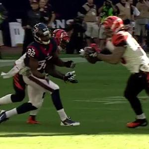 Houston Texans quarterback Ryan Mallett intercepted by Cincinnati Bengals linebacker Rey Maualuga