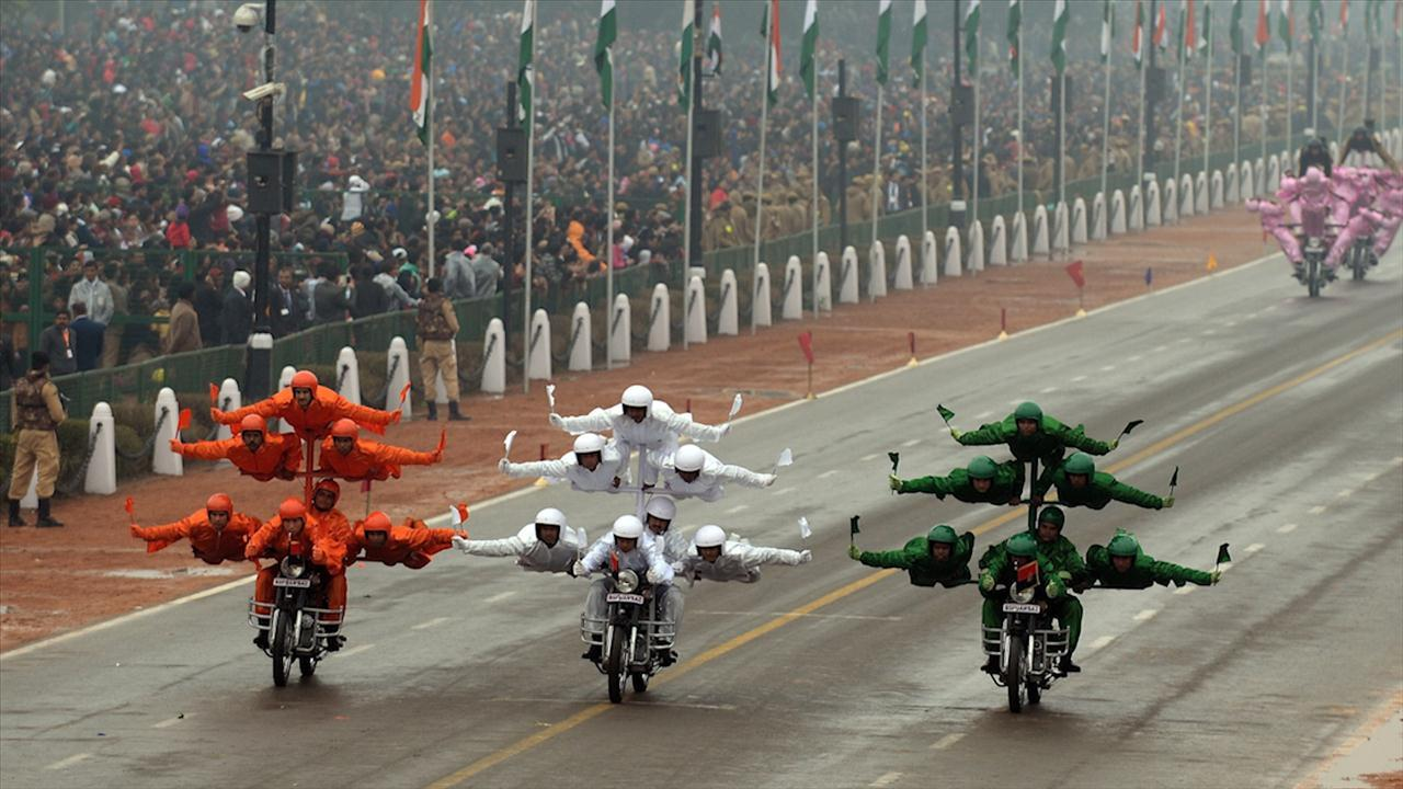 "Obama on India's Motorcycle ""Dare Devils"""