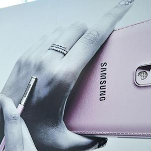 Samsung Feels Heat From Weak Smartphone Sales