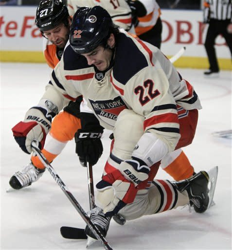 Anisimov helps Rangers top Flyers 5-2