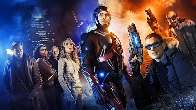 It's a time-traveling team-up in the first trailer for DC's Legends of Tomorrow