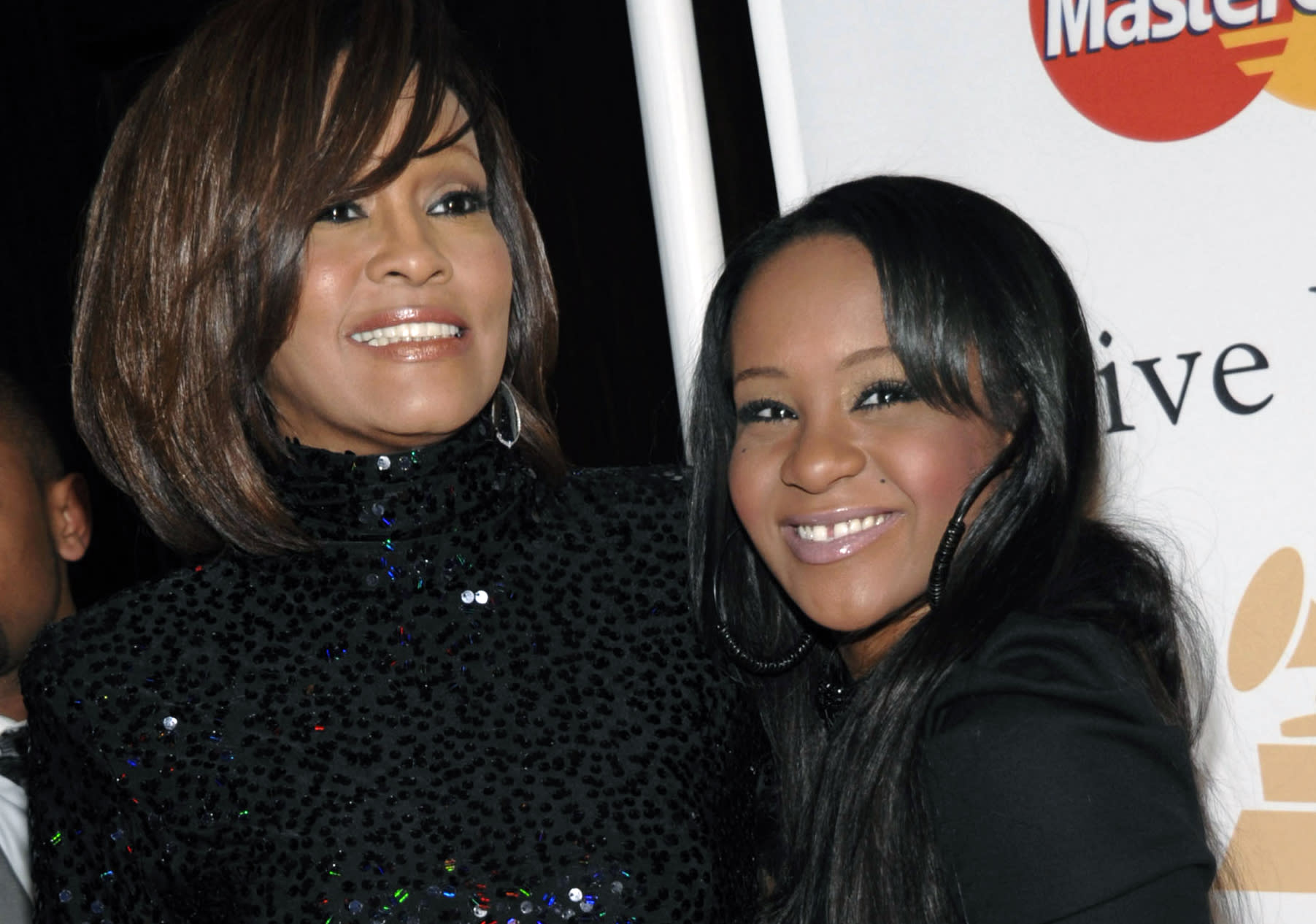 Celebrities offer support for Whitney Houston's daughter