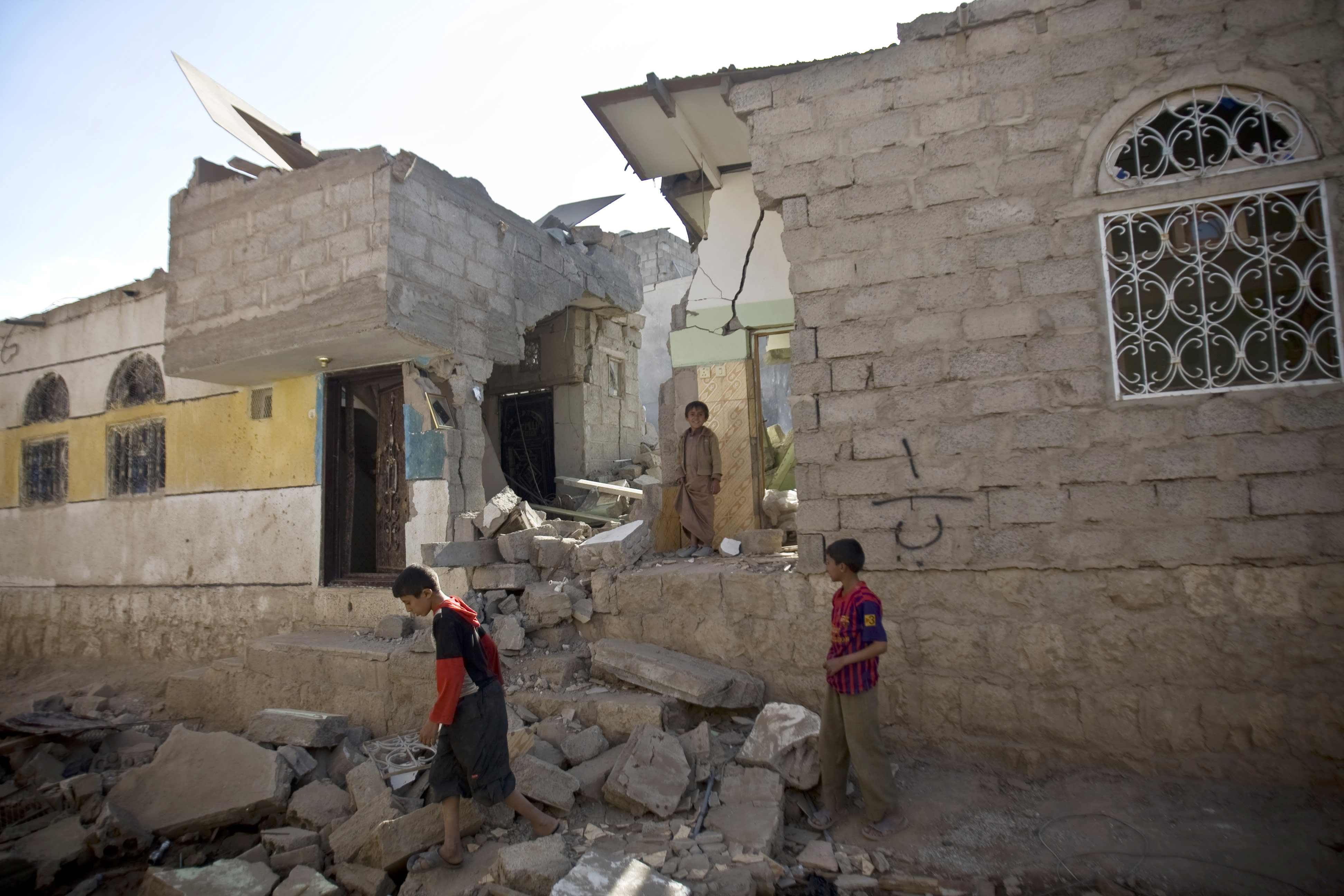 35 dead in Yemen after airstrikes hit factory vicinity