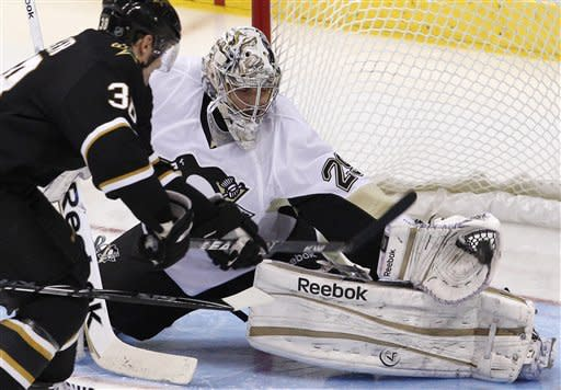 Dupuis, Fleury lift Pens over Stars
