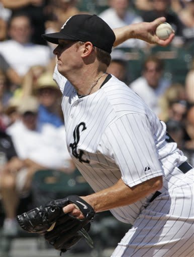 Youkilis homers as White Sox top Blue Jays 2-0