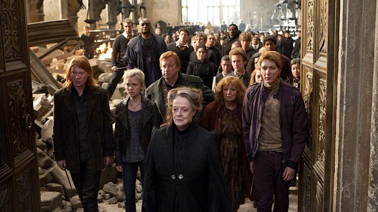 Harry Potter and the Deathly Hallows part 2 Warner Bros Pictures 2011 Domhnall Gleeson Clemence Posey Mark Williams Maggie Smith Julie Walters Olvier Phelps