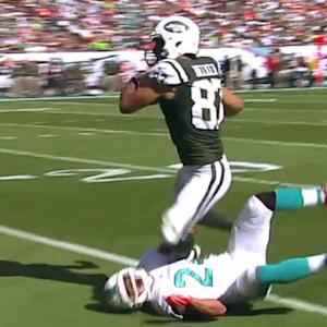 New York Jets quarterback Geno Smith hits Eric Decker deep for 41 yards