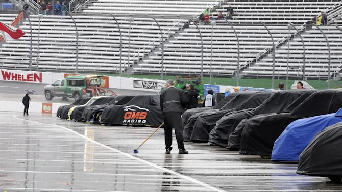 Trucks rained out at Martinsville; twinbill Sunday