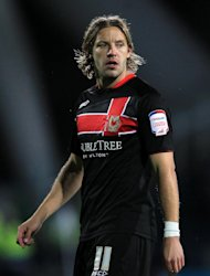 Alan Smith seals permanent move to MK Dons