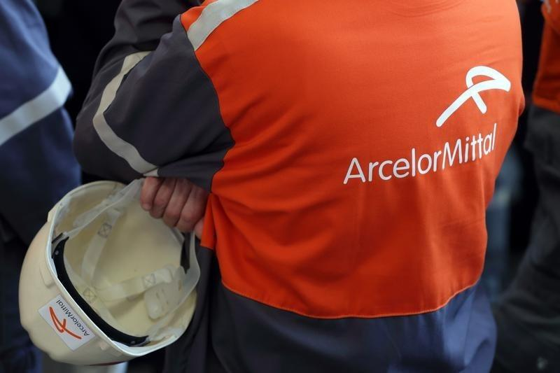 Arcelor Mittal South Africa to close mills, review largest plant