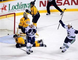 Luongo makes 23 saves as Canucks blank Preds 1-0