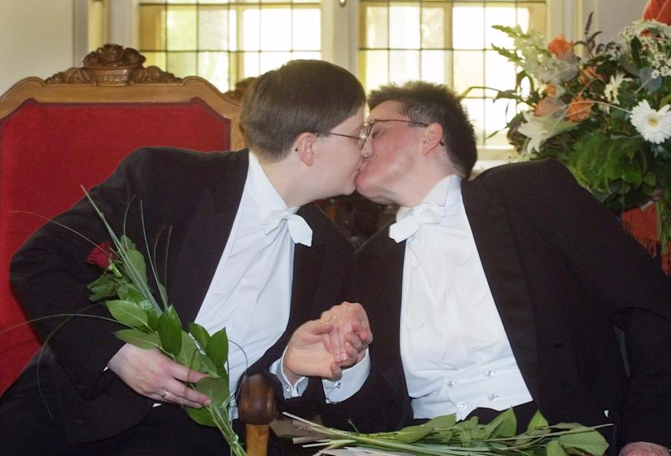 German court grants gay unions marriage tax breaks