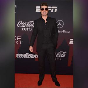 Robin Thicke Spotted Ringless And Happy In NYC