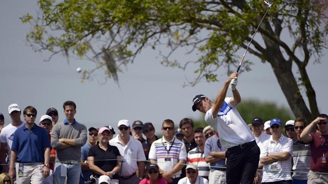 Justin Rose, of England, hits a shot from the eighth tee during the second round of the Arnold Palmer Invitational golf tournament, Friday, March 22, 2013, in Orlando, Fla. (AP Photo/Phelan M. Ebenhack)